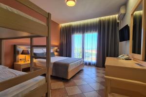 Palladium Hotel tesisinde bir oda