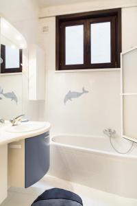 A bathroom at Residentie Kursaal
