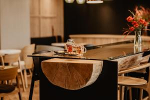 A restaurant or other place to eat at Ibis Styles Tomaszow Lubelski