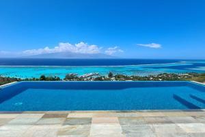 A piscina localizada em Villa Manatea ou nos arredores