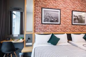 Ein Zimmer in der Unterkunft B Street Hotel