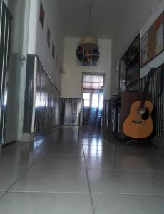 The lobby or reception area at Shanti Hostel