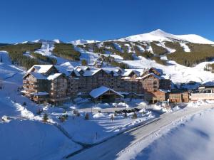 One Ski Hill, A RockResort during the winter