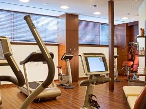 The fitness centre and/or fitness facilities at Pullman Cologne