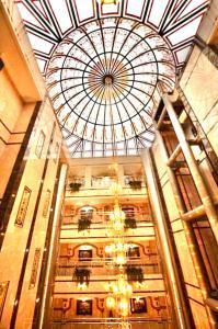 A fachada ou entrada em Muhammadiyah Palace Hotel Suites