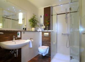 Ein Badezimmer in der Unterkunft Pension Westphal's