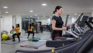 Het fitnesscentrum en/of fitnessfaciliteiten van Clayton Hotel City of London