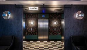 De lobby of receptie bij Clayton Hotel City of London