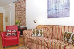 A seating area at Super Nice Clerkenwell Home