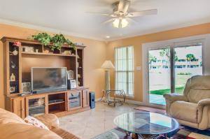 4 A, Three Bedroom Townhome