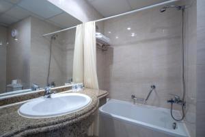 Een badkamer bij Bella Vista Resort Hurghada Families And Couples Only