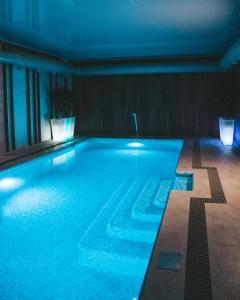 Бассейн в Barcelona Spa-Hotel или поблизости