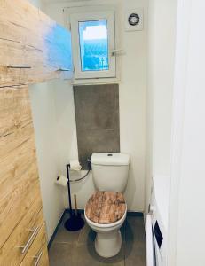 A bathroom at douceur du sud