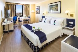 A room at Holiday Inn Lisbon, an IHG Hotel