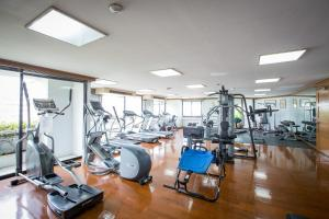 The fitness centre and/or fitness facilities at Trinity Silom Hotel