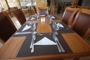 Un restaurant sau alt loc unde se poate mânca la Sharah Mountains Hotel