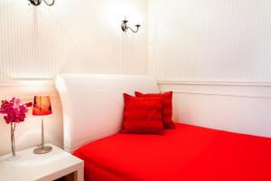 Кровать или кровати в номере Апартаменты ГринХаус на Щорса