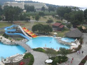 Pogled na bazen u objektu Porto Carras Sithonia ili u blizini