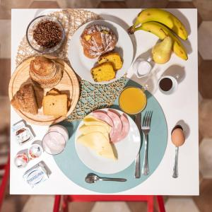 Breakfast options available to guests at Colosseo Accomodation Room Guest House
