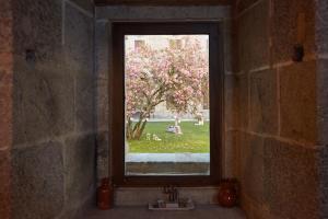 A view of the garden at Eurostars Monumento Monasterio de San Clodio Hotel & Spa or nearby
