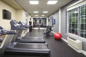 The fitness center and/or fitness facilities at Hampton Inn Holland