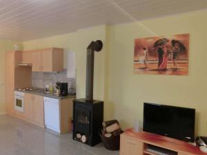 Küche/Küchenzeile in der Unterkunft Apartment Ferienwohnung Westerwald 1