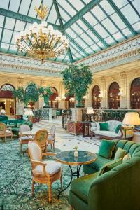 The lounge or bar area at InterContinental Paris Le Grand, an IHG Hotel