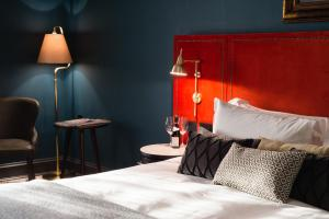 A bed or beds in a room at Avon Gorge by Hotel du Vin