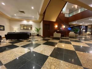 The lobby or reception area at Hotel Universel Montréal