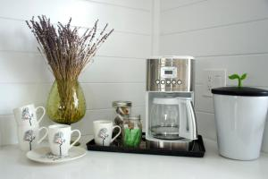 A kitchen or kitchenette at ViewPoint Hotel