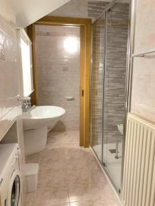 A bathroom at Cèsa Prà da Molin