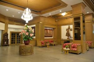 The lobby or reception area at City Beach Resort