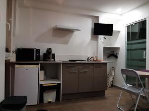 Cuisine ou kitchenette dans l'établissement Studio 2 cosy vue port à deux pas de Nausicaa