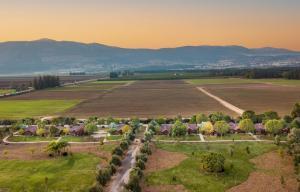 מבט מלמעלה על The Village- Jordan Riverside Travel Hotel