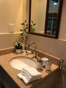 Um banheiro em KAEC-Coast Oasis 1