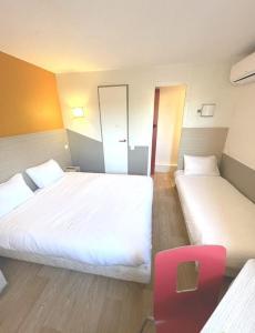 Un ou plusieurs lits dans un hébergement de l'établissement Première Classe Martigues