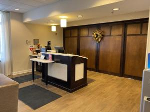 The lobby or reception area at Homewood Suites by Hilton Decatur-Forsyth