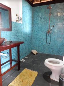 A bathroom at Pousada Mar de Sonhos
