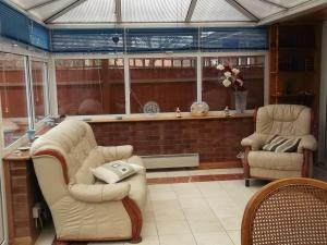 A seating area at Hamlet Guest House