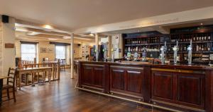 The lounge or bar area at Rose and Crown Yealmpton