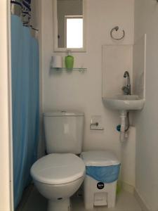 A bathroom at Nomads Hostel Multicultural