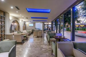 Ο χώρος του lounge ή του μπαρ στο Vanisko Hotel ''By Checkin''