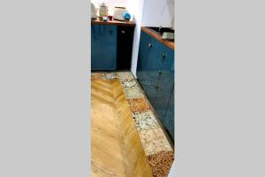 A bed or beds in a room at Superbe T2 art déco port et Mucem