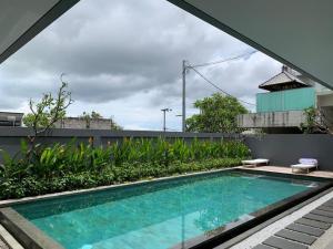 The swimming pool at or close to Atania Apartment