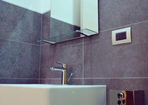 A bathroom at ZIA FRANCA BED&BREAKFAST