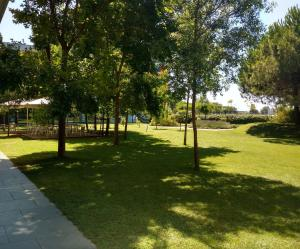 Een tuin van Centre Esplai Albergue