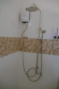 A bathroom at La Playa Estrella Beach Resort