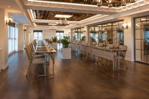 Een restaurant of ander eetgelegenheid bij Xheko Imperial Luxury Boutique Hotel