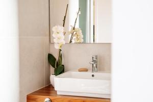 A bathroom at Ostria Resort & Spa