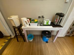Coffee and tea-making facilities at Nancy House